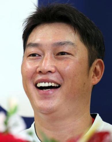 新井貴浩,韓国人,韓国名,年俸推移,おもしろ画像